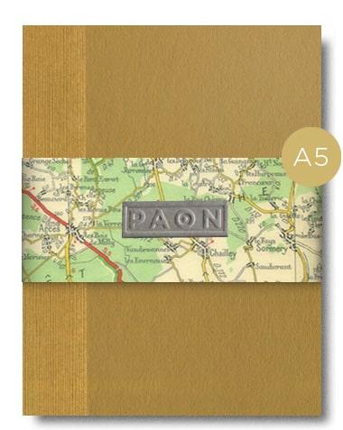 Joli carnet original A5. Papiers recyclés et réemployés, design éco responsable - couleur moutarde. Couverture peinte à la main, reliure cousue, fabriqué en France, 92 pages.